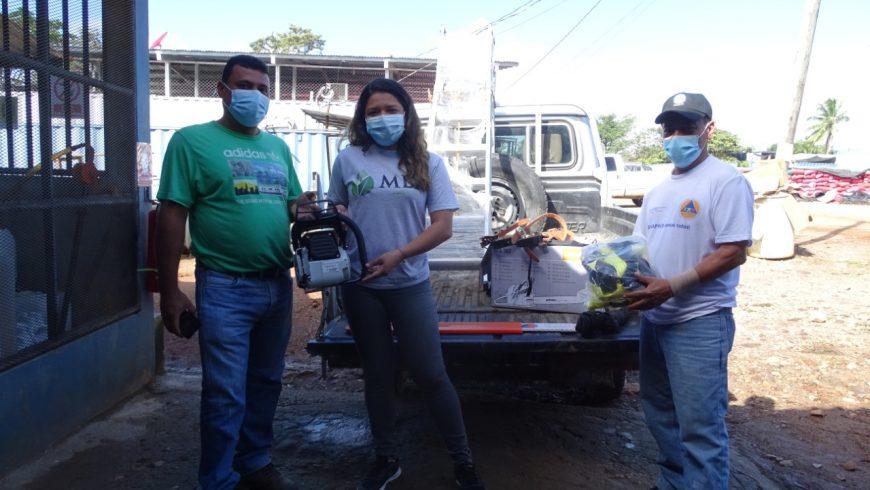MLR Forestal dona equipos a Alcaldía y Sinapred de Siuna
