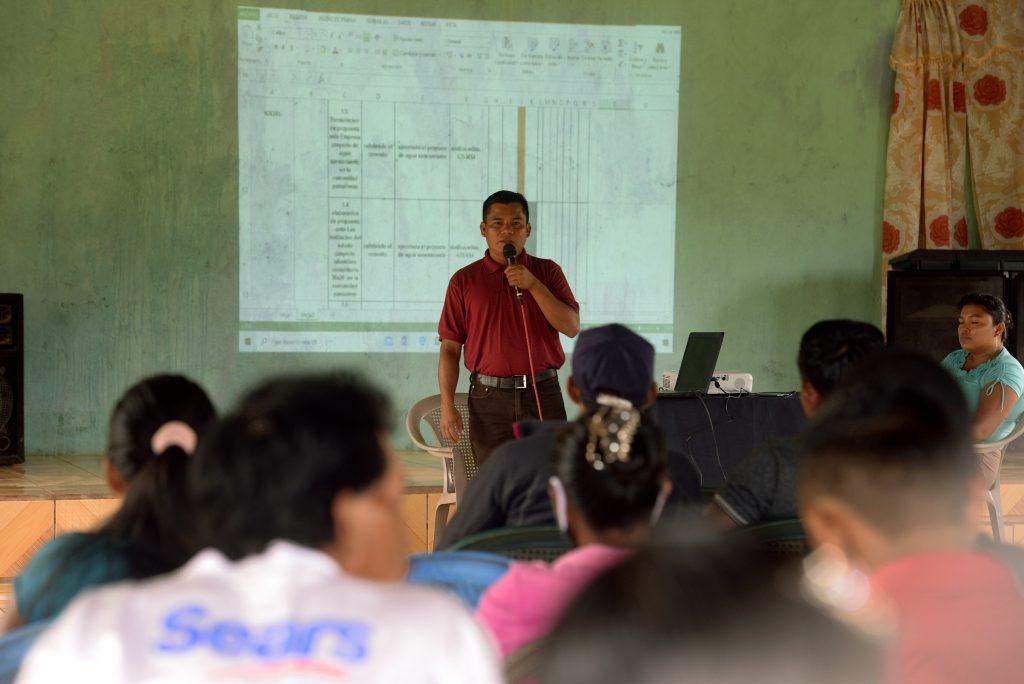 Aspecto de la reunión entre las comunidades Pansuhwas, Mukuswas e Ispayulilna, del territorio Matumbak y la empresa agroforestal MLR Forestal de Nicaragua