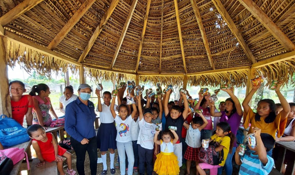 Para MLR Forestal es vital el apoyo a la niñez y promover temas como la retención escolar.